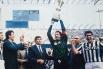 В конце 80-х и начале 90-х основным вратарём «Ювентуса» стал Стефано Таккони, защищавший ворота «Старой Синьоры» в 254 матчах. Вместе с клубом Таккони дважды стал чемпионом Италии, а также выиграл Кубок обладателей кубков, Суперкубок Европы, Межконтинента