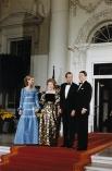 14 мая 1962 года королева София, которая тогда носила титул Её Королевской Высочество Принцесса София Греческая и Датская, вышла замуж за принца Хуана Карлоса I. На фото: президент Рональд Рейган и первая леди Нэнси Рейган на приёме у короля Хуана Карлоса