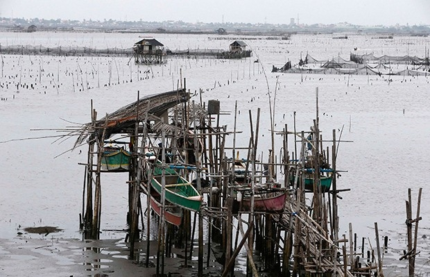 В результате тайфуна подтопленной оказалась бухта близ города Бакоор.