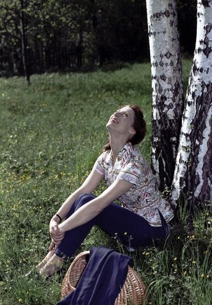 Первое выступление Майи Плисецкой состоялось в Свердловске, где её семья находилась в оккупации в 1941-1942 годах. В 1943 году Плисецкая окончила Московское хореографическое училище и сразу же была принята в труппу Большого театра.