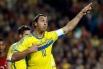 В схожей ситуации оказался нападающий «ПСЖ» Златан Ибрагимович. В стыковых матчах сборная Швеции уступила португальцам, и прошлогодний обладатель Golden Foot остался вне обоймы Кубка мира.