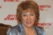 Татьяна Черняева работала на Центральном телевидении с 1970 года, когда заняла должность помощника режиссёра. В 1975 году Черняева стала ведущей новой детской программы «АБВГДейка» и впоследствии совмещала эту работу с должностью руководителя редакции детских программ.