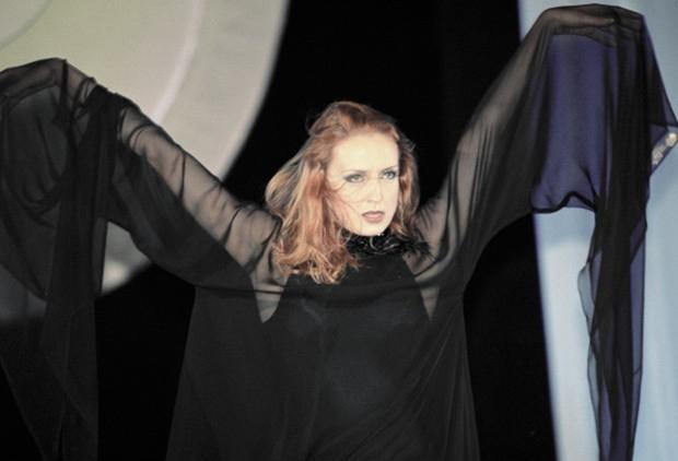 К концу 90-х годов Лиепа дебютировала в качестве драматической актрисы в Санкт-Петербургской антрепризе, а в апреле 2000 года она исполнила роль императрицы Екатерины в спектакле «Сон императрицы» в театре «Модернъ».