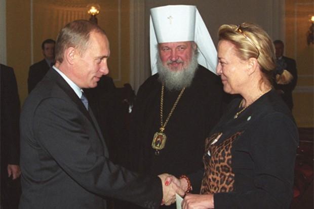 Владимир Путин, Митрополит Кирилл и Ксения Шереметева-Юсупова, 2001 год.