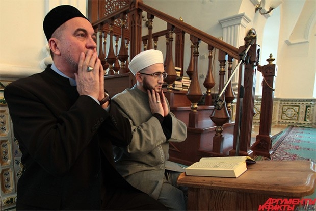 От имени мусульман Татарстана Самигуллин выразил соболезнования родным и близким погибших.