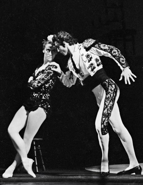 Выступления Майи Плисецкой пользовались неизменным успехом, в результате чего кубинский балетмейстер Альберто Алонсо впервые поставил балет «Кармен-сюита» - балет был представлен 20 апреля 1967 года в Большом театре в оркестровке Родиона Щедрина.
