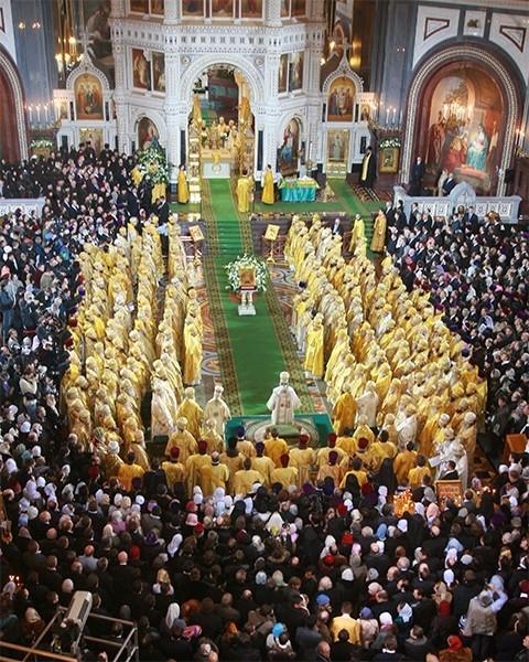 Церемония интронизации Патриарха Московского и Всея Руси Кирилла состоялась в Храме Христа Спасителя 9 января 2009 года.