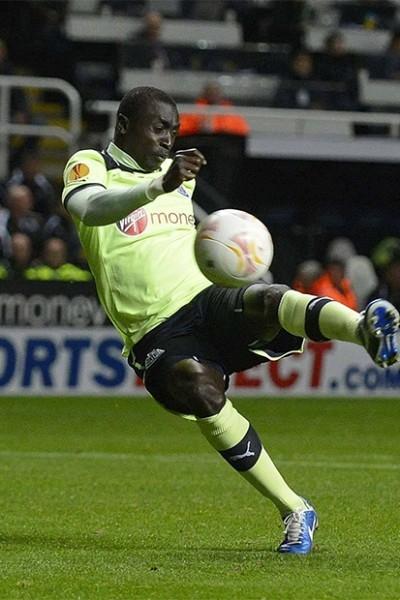 Вместе с Муссой Совом в финальную часть не попал и его коллега по сборной – нападающий «Ньюкасла» Паписс Сиссе. Именно эти два игрока забили по мячу в ворота Кот-д'Ивуара, но их усилий оказалось недостаточно.