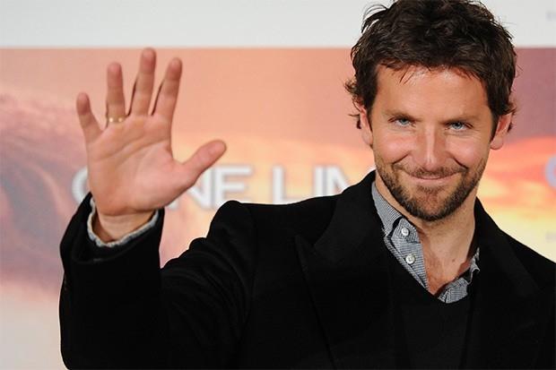 В 2011 году People объявил самым сексуальным ещё одного актёра – Брэдли Купера. Тогда по экранам триумфально прошли сразу два хита с Купером в главной роли – авантюрная комедия «Мальчишник 2: Из Вегаса в Бангкок» и детективный триллер «Области тьмы».