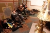 Также в Михайловском Златоверхом монастыре желающие могут переночевать, чтобы не мёрзнуть на морозных улицах.