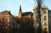 Замыкает десятку старейших вузов Карлов университет, основанный императором Карлом IV в 1348 году в Праге. Карлов университет считается старейшим вузом Центральной Европы, а также входит в ассоциацию главных вузов Европы вместе с Оксфордом, Сорбонной, Бол
