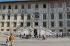 1343 год считается датой основания Пизанского университета, хотя функционировал он и ранее, правда, без статуса университета. Вуз был учреждён декретом Папы Климента VI и фактически объединил под одним крылом несколько школ, существовавших в Пизе ещё с XI