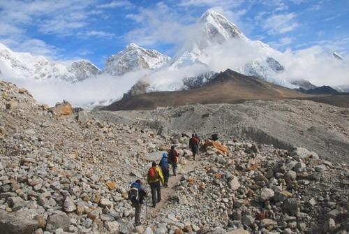 Гималаи. Вид на вершину Пумори.