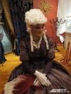 Знатная венецианка ждёт гостей выставки.