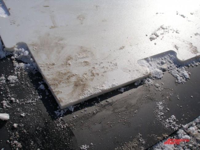 Поле для катка состоит из отдельных панелей, собранных между собой по принципу ламината