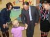 После торжественного открытия, сотрудники детского сада провели экскурсию для мэра