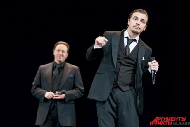 Проект был создан в 2006-м году Дмитрием Сибирцевым, который привлёк в него солистов московских оперных театров.