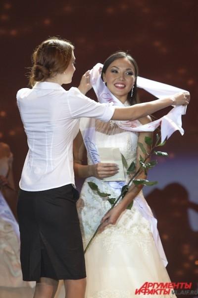 Приз зрительских симпатий получила Ольга Мазур.
