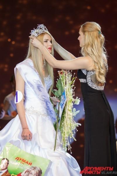 По мнению жюри, самая красивая девушка Приморья - Алиcа Маненок.