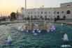 В прошлом году главный фонтан был реставрирован. Были проведены гидроизоляционные работы в чаше фонтана, отремонтированы борта, смонтировано необходимое оборудование и художественная подсветка.