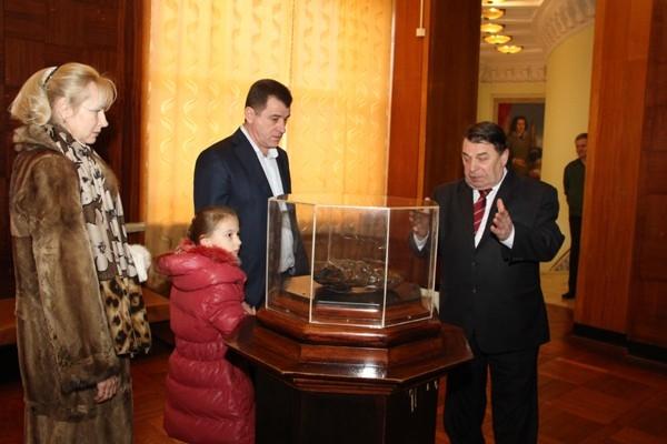 Губернатор Волгоградской области с семьей