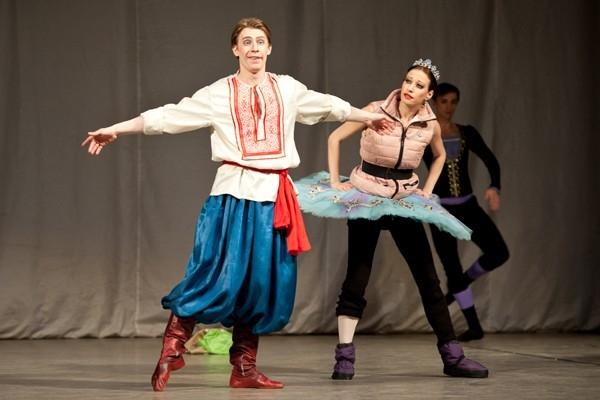 Артисты исполнили различные по стилю хореографические произведения