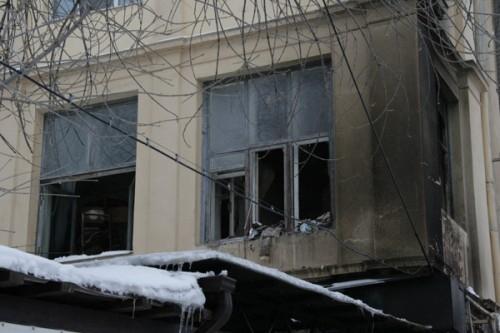 В квартирах на втором этаже выбило стекла