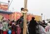 Волгоградцы пытались укротить ледяной столб