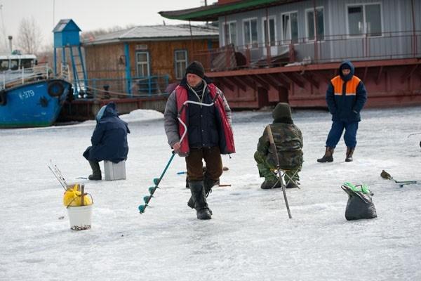 Зимняя рыбалка продолжается