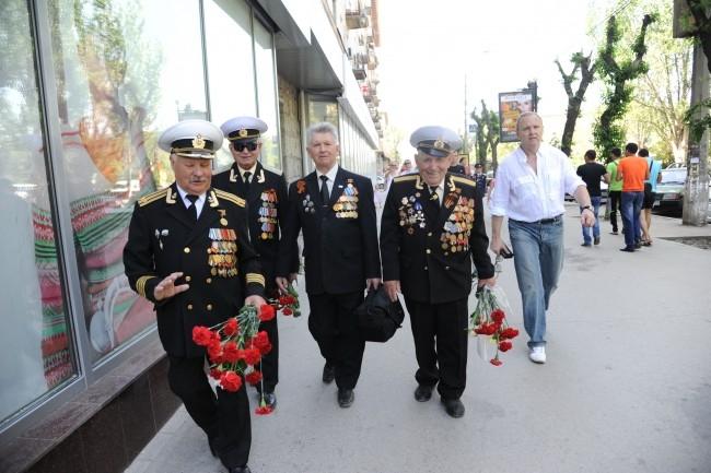 Ветераны на проспекте Ленина