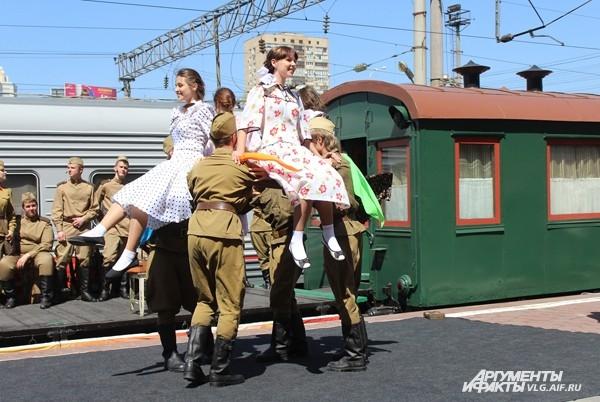 В Волгограде побывал ретро-поезд