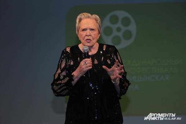 Киноактеры приучали волгоградцев к семейным фильмам