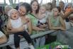 В Волгограде младенцы ползали наперегонки