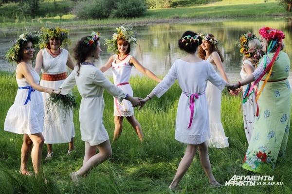 Хороводы заменяли нашим предкам и брейк-данс, и сальсу, и танец живота
