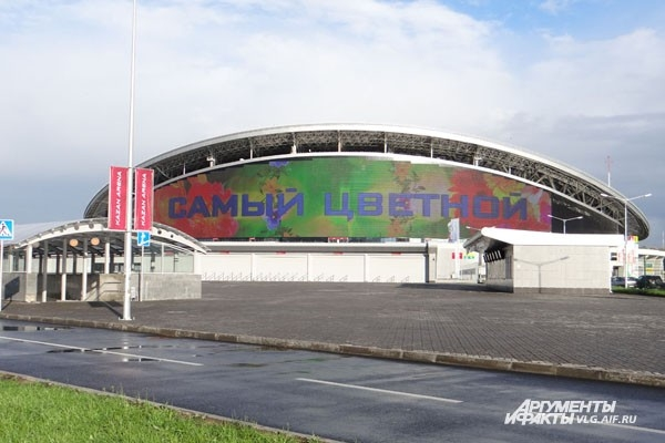 Рекламодатели не спешат платить за размещение своих роликов на экране стадиона