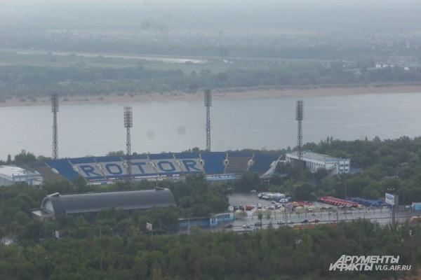 Центральный стадион Волгограда (пока реконструкция не начата)