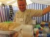 Пчеловод Евгений из Кумылги собирает свой мёд с молитвой