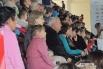 Зрители на трибунах ждут, когда зажгутся новые спортивные звездочки Волгограда.