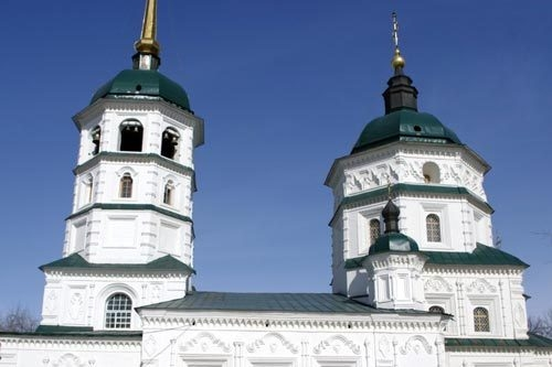 В советские годы здание иркутского планетария располагалось в Свято-Троицком храме.