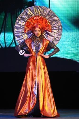 Гран-при конкурса «Ты - маленькая модель» в этом году получила Катя Калугина в образе «Наими».