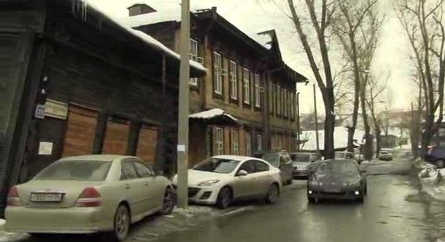 Добраться к Дому Шубиных можно со стороны ул. Тимирязева (ост. Ленина)