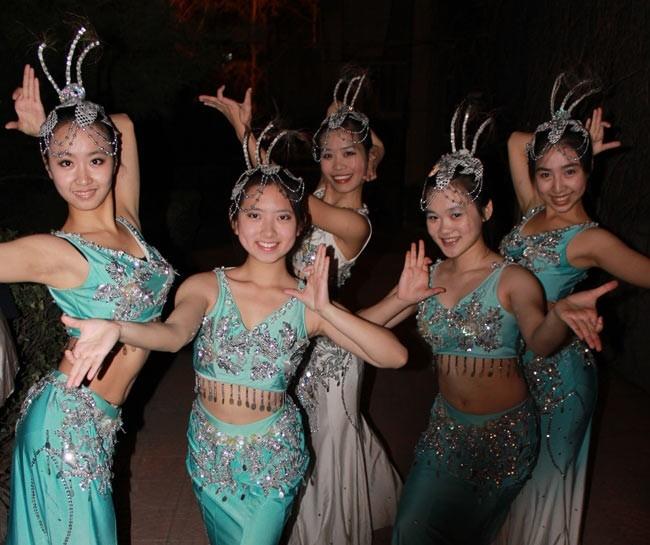 Таланты демонстрировали не только иркутские, но и пекинские танцоры.