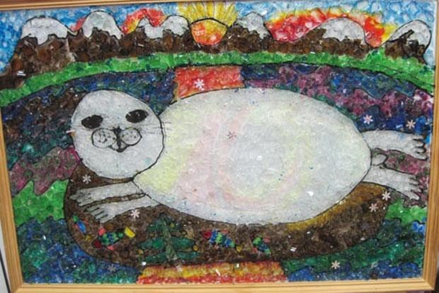 Байкальская нерпа в Рождество (мозаика из стекла).