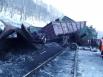 Локомотив под вагонами - колесная пара - причина аварии.