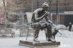 В октябре 2012 года на площади возле Цирка был установлен памятник Леониду Гайдаю и героям его фильмов – Трусу, Балбесу и Бывалому.