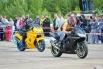 Соревнования мотоциклов всегда восхищают скоростью.