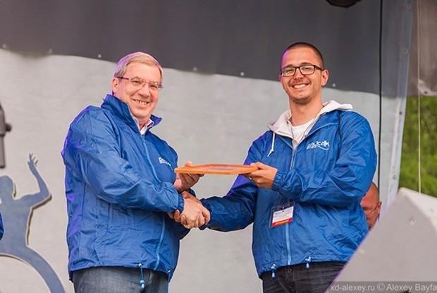 Полпред президента РФ Виктор Толоконский так же лично поздравил победителей.