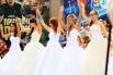 У кинотеатра «Ровесник» невесты станцевали так, что зрители не тоже пошли в пляс.