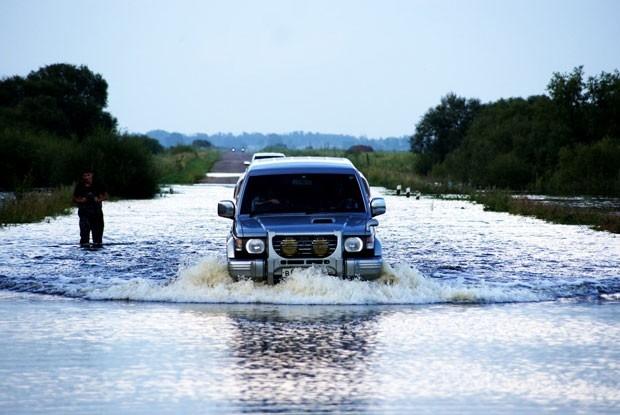 Машины почти плывут (Благовещенск).