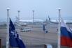 Командир корабля принял решение совершить посадку в аэропорту Иркутск. Здесь его встречали 120 человек, из них от МЧС России 17 человек.